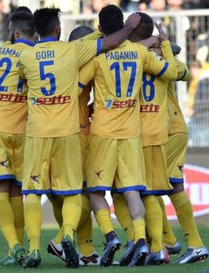 frosinone-celebrating-vs-verona_vcv3n6lqrt6h1vgnt00wc2xqq